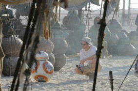 star-wars-7-force-awakens-jj-abrams-bb8-600x400